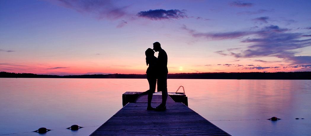 失去伴侣的老年女人_如何与伴侣保持亲密关系